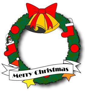 ベルや靴下など飾り付けしたクリスマスリース