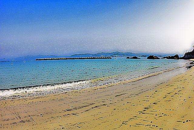 エメラルドグリーンの海水浴場