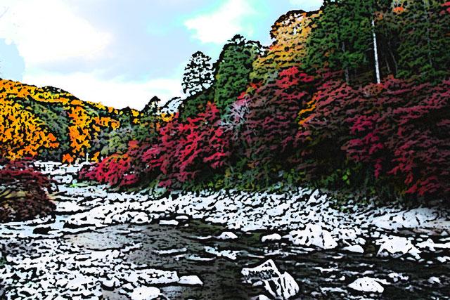 渓谷の紅葉と綺麗な谷川