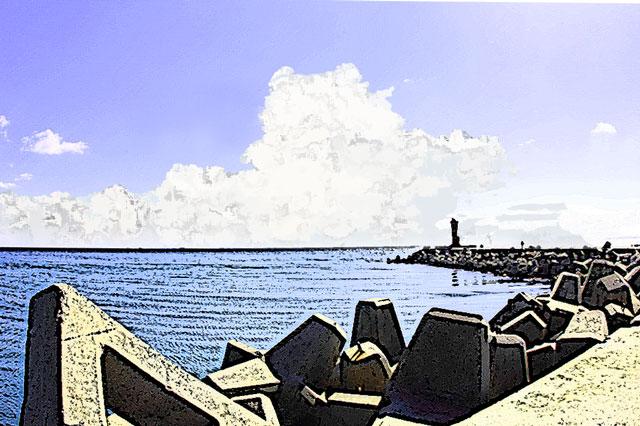 夏の入道雲と海と灯台