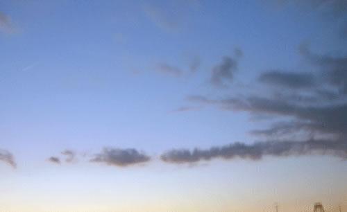 夕暮れの空と雲の拡大写真