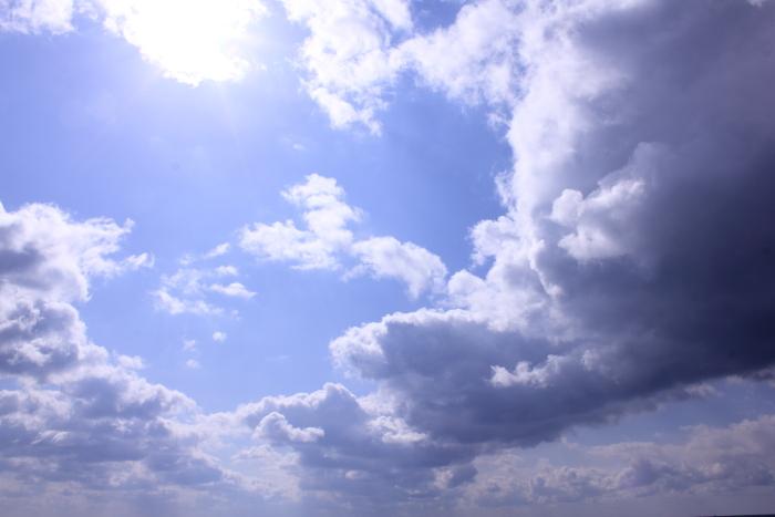 大きいサイズの雲と青空