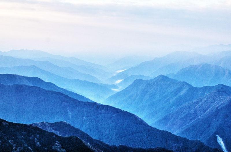 大きいサイズの大台ケ原から望む山並み