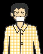 マスクをかけたパジャマの男性
