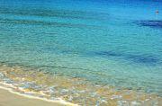 エメラルドグリーンのビーチ